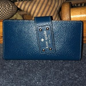 EUC Kate Spade ♠️ blue leather wallet BEAUTIFUL